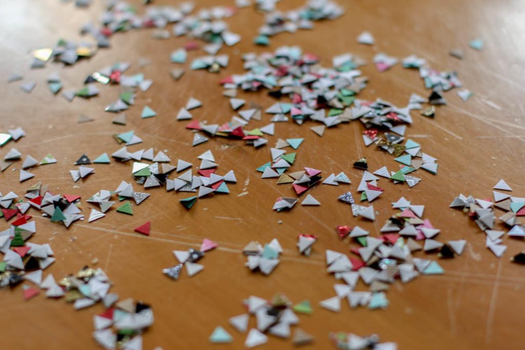 triangle-confetti