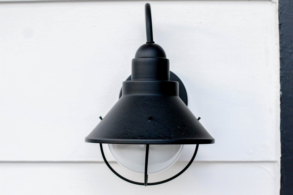 black-white-sconce